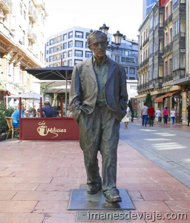 Estatuas Oviedo Woddy Allen