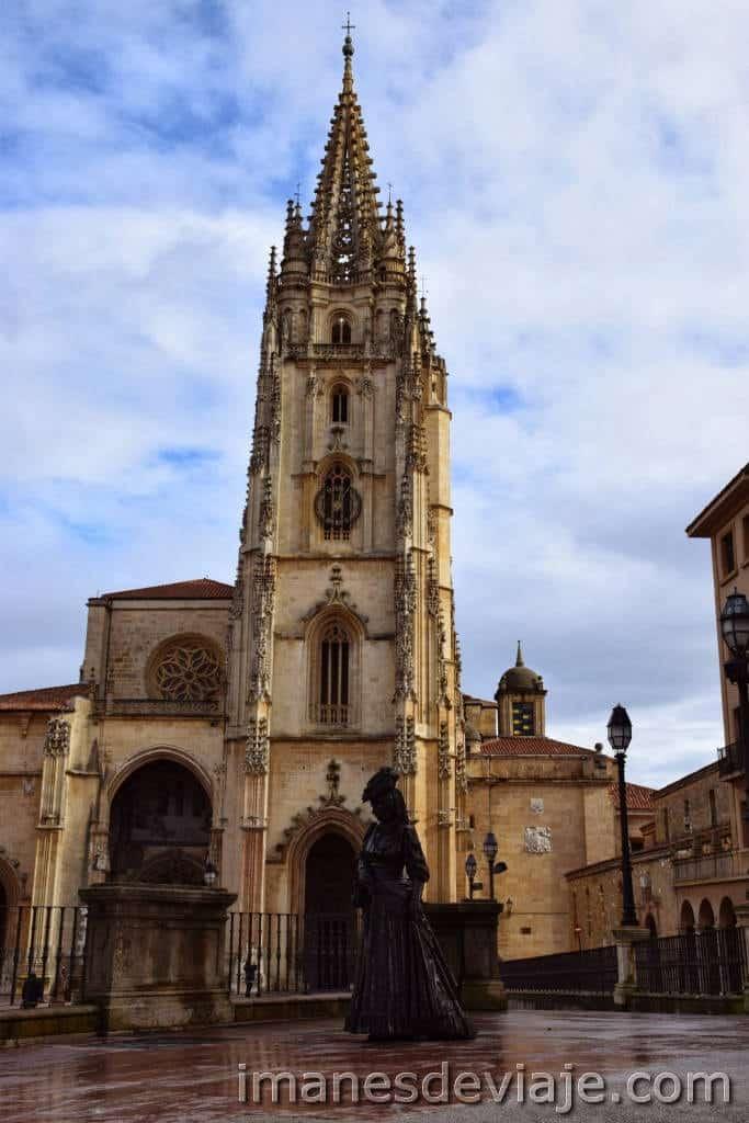 Estatuas Oviedo La regenta