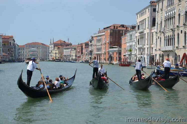 Como moverse por Venecia_Gondola