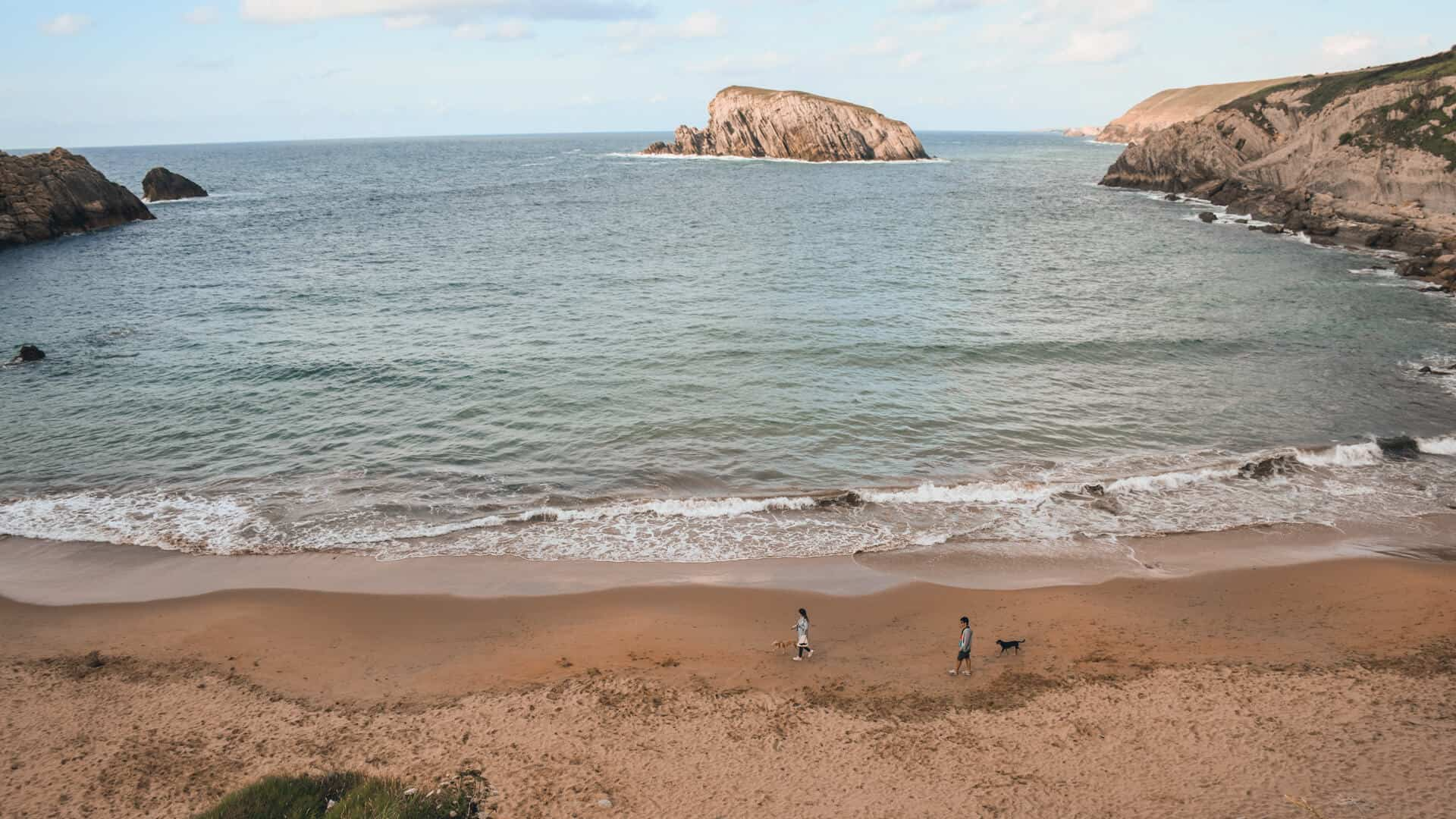 mejores playas cerca de Santander covachos