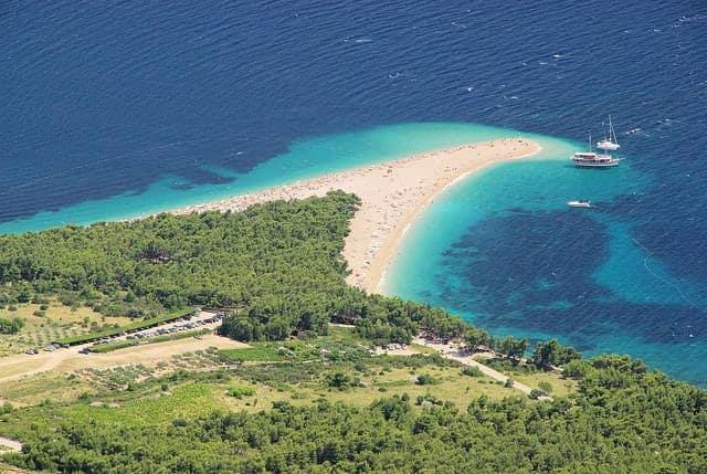 Isla de Brac Playa Zlatni Rat cuerno de Oro en Bol