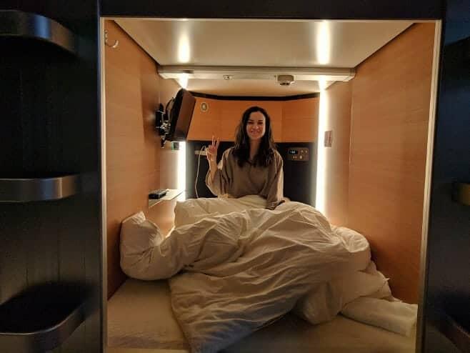 dormir en un hotel cápsula en Japón