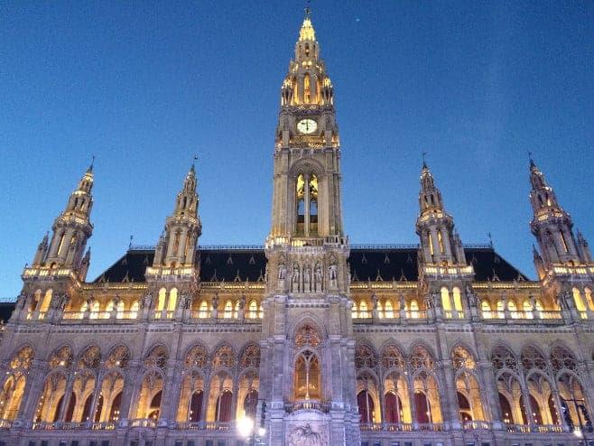 que ver y hacer en Viena en un día, dos o tres ayuntamiento