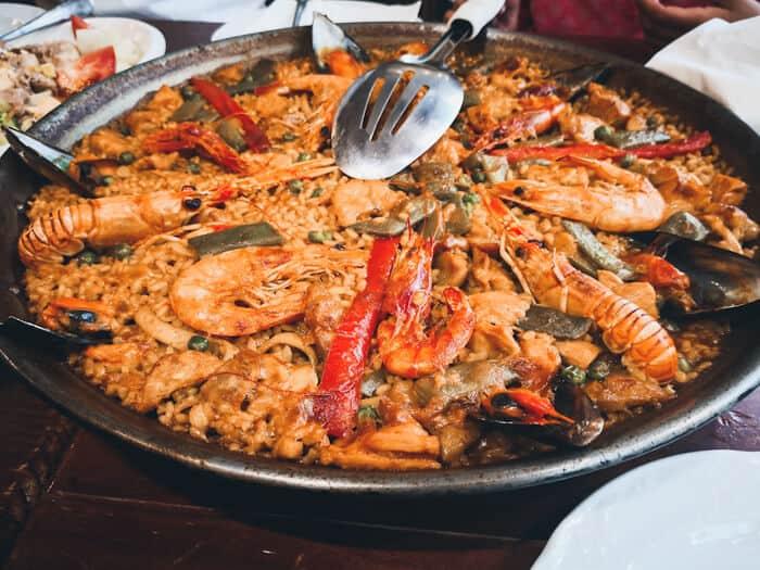 platos tipicos de espana paella