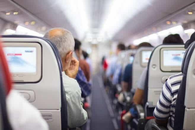 consejos superar vuelo largo en avión