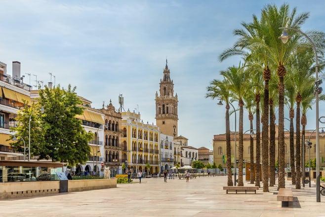 ciudades medias del centro de andalucia