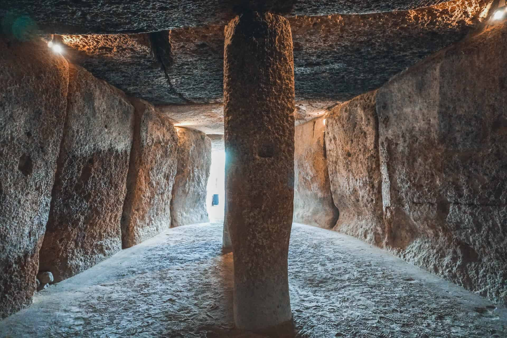 que ver cerca del torcal dolmenes de antequera
