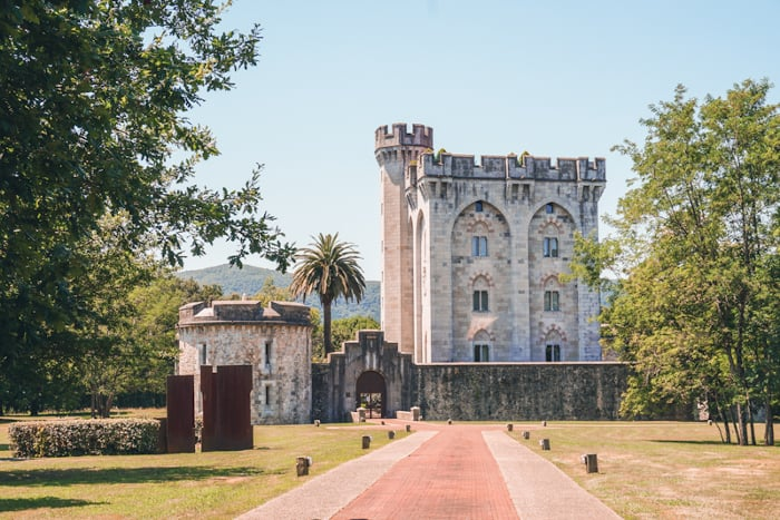 reserva de urdaibai castillo de arteaga